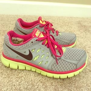 Nike Shoes (Women's Size 6) Gray, Pink, Yellow